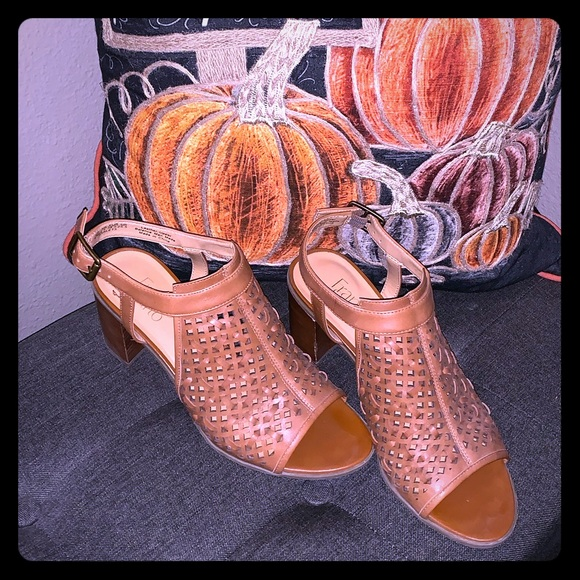Franco Sarto Shoes - 🌺🌺 Cute Leather Sandals 🌺🌺